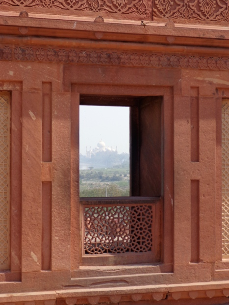 A view of the Taj Mahal from Red Fort